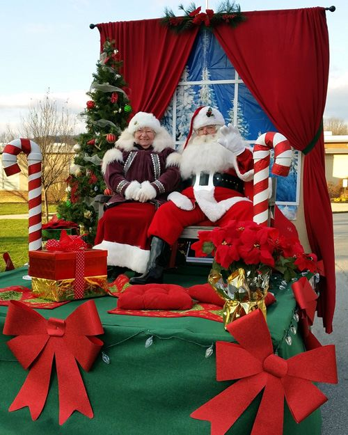 santa and mrs claus will be at downingtowns good neighbor christmas - What To Do On Christmas