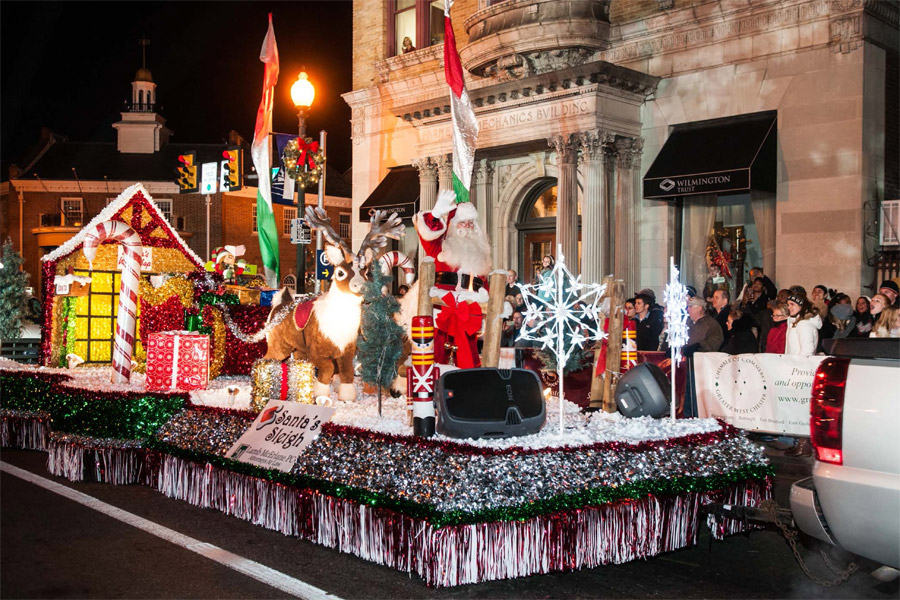 what to do the coatesville christmas parade chescotimescom - How To Decorate A Christmas Parade Float