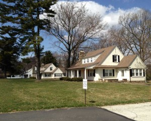 The Kennett Township Supervisors voted 2-1 Tuesday night to grant Longwood Gardens a permit to raze these three 1920s cottages along U.S. 1.